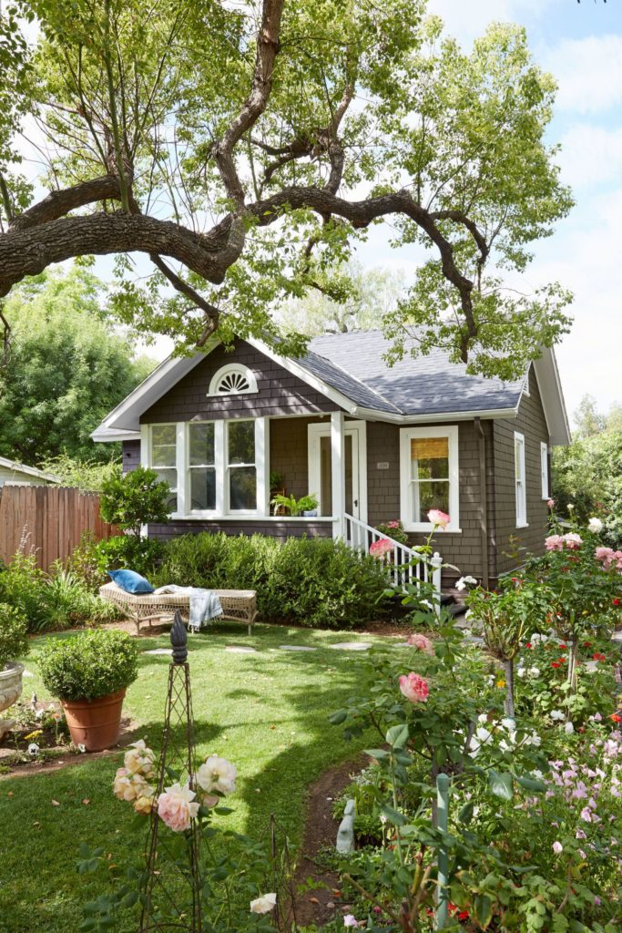 The Organized Move: Preparing Your Home for the Public's Eye